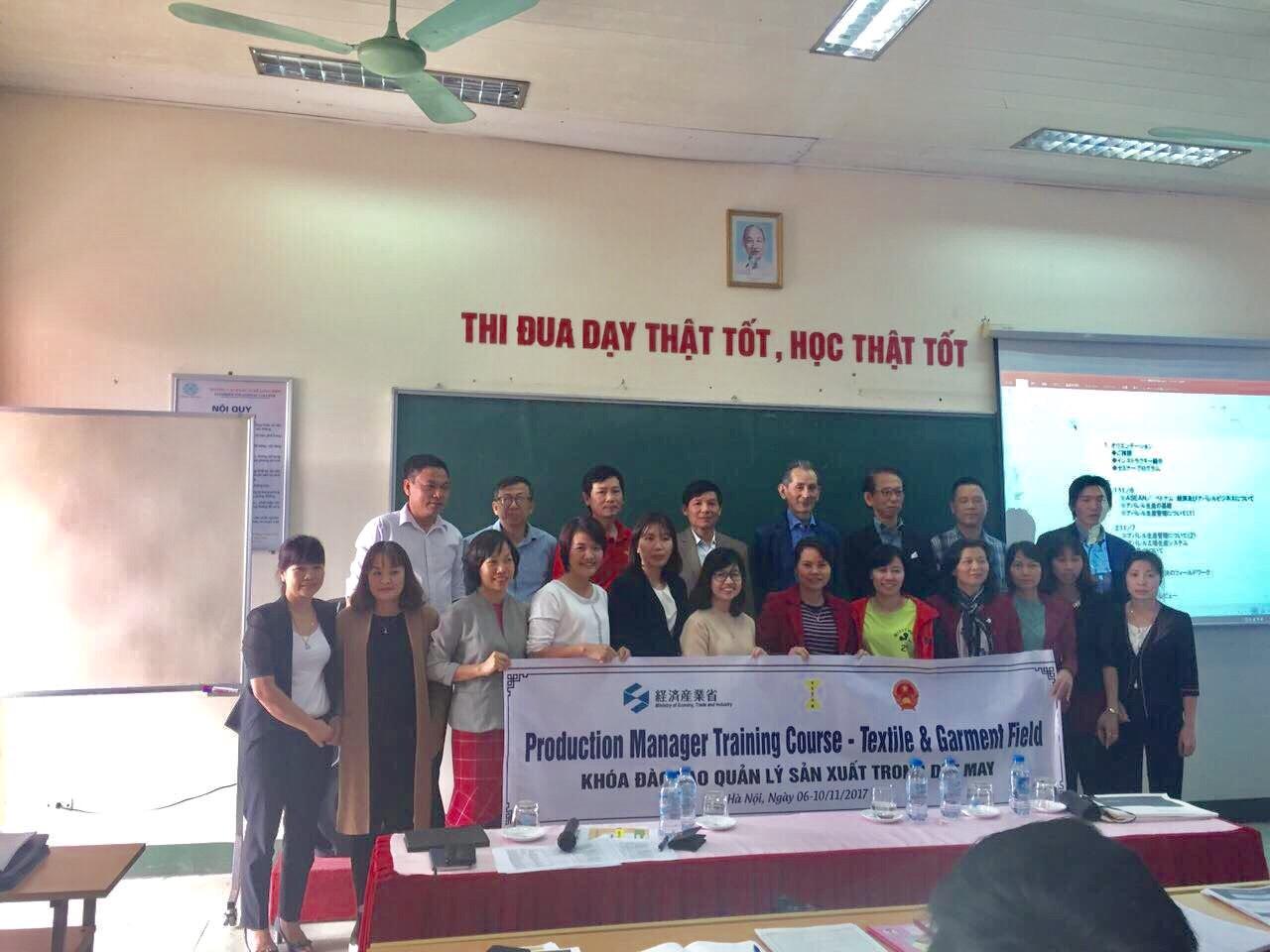 Khai giảng chương trình đào tạo của Meti về quản lý sản xuất dệt may (6-10/11/2017)