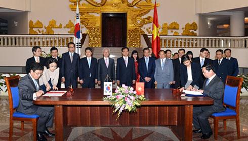 Việt Nam, Hàn Quốc chính thức ký Hiệp định Thương mại tự do