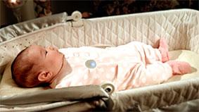 Giám sát ngấc ngủ của bé bằng cúc áo