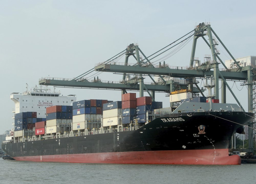 Vietnam ratifies trade deal with EU...