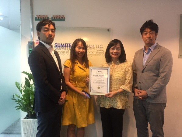 Trao giấy chứng nhận hội viên cho Sumitex Việt Nam