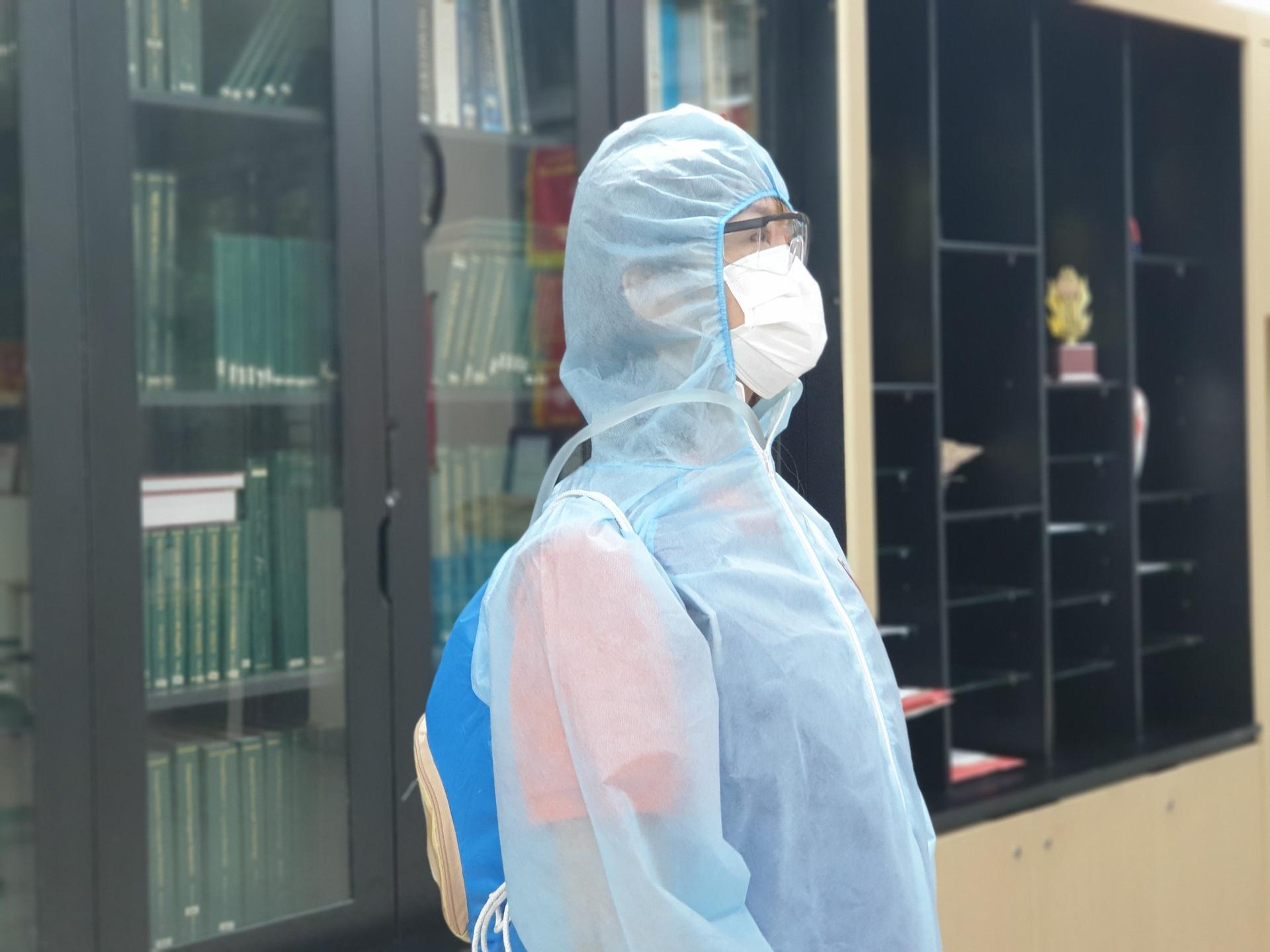 Sinh viên Bách khoa thiết kế áo làm mát cho y bác sĩ chống dịch
