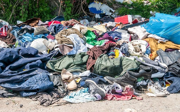 Ngành thời trang gây ô nhiễm và tàn phá môi trường như thế nào?