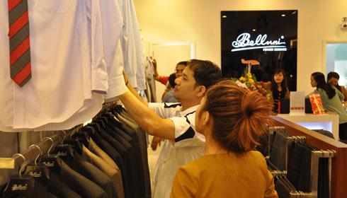 Tổng công ty 28 khai trương cửa hàng Belluni tại TTTM VinCom