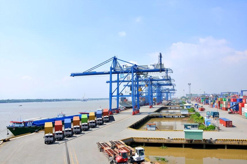 Hướng dẫn thủ tục cho hàng chuyển cảng