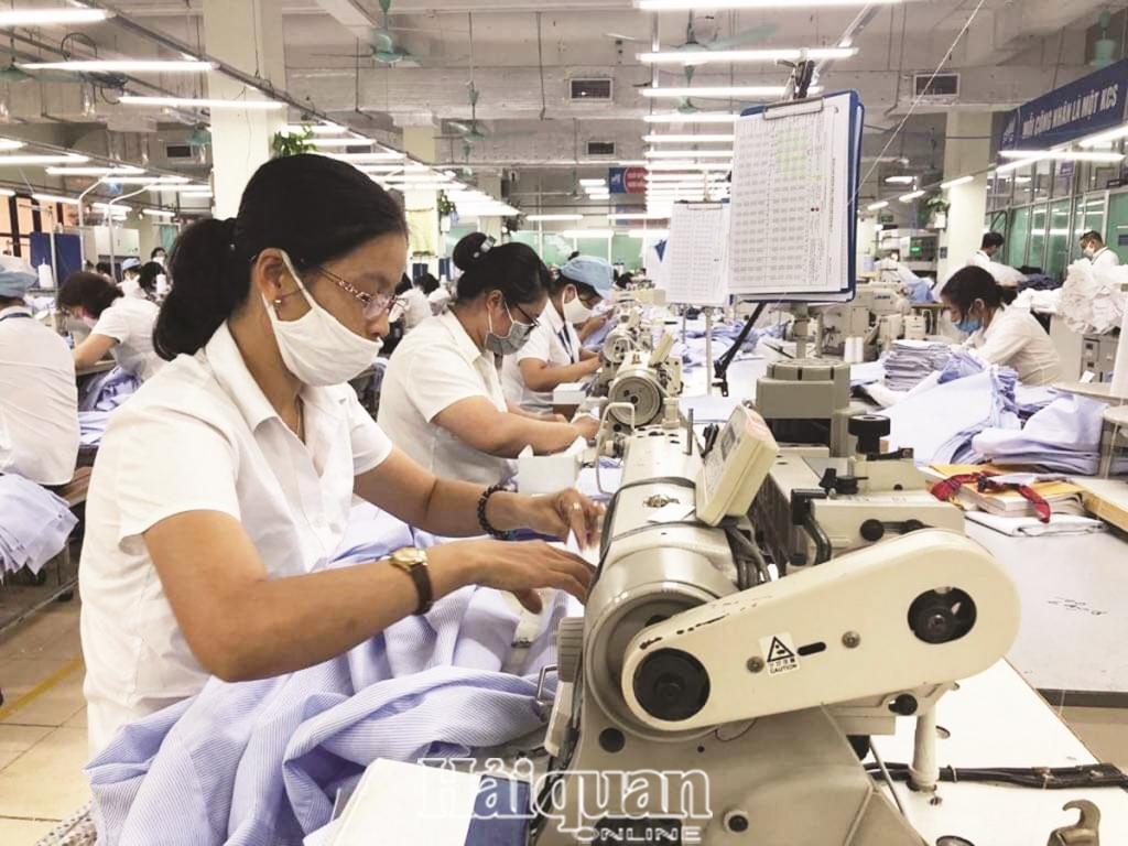 Dự thảo Bộ luật Lao động (sửa đổi): Doanh nghiệp lo tăng chi phí